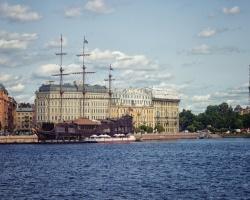 Джазовый пароход по вечерней Неве в СПб